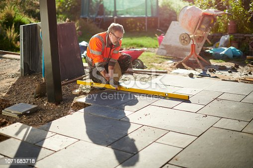 laying a patio in slate