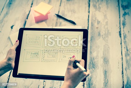 istock Layout sketch on digital tablet 527239926