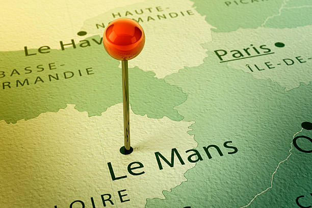 Le Mans Map City Straight Pin Vintage 3D Render of a Straight Pin at the Position of the City of Le Mans on a Map of France. Vintage Color Style. Very high resolution available! motor sport stock pictures, royalty-free photos & images