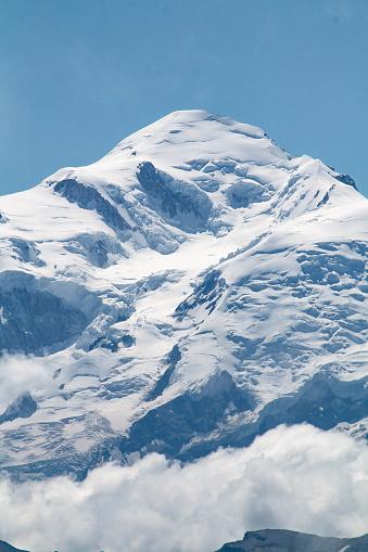 istock Le Mont-Blanc depuis le col de Joux Plane 1019996222