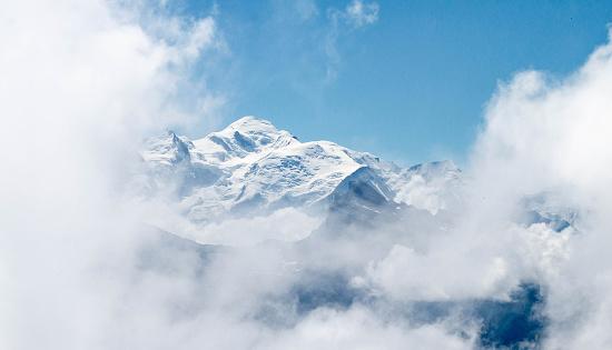 istock Le Mont-Blanc depuis le col de Joux Plane 1019996226