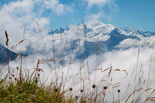 istock Le Mont-Blanc depuis le col de Joux Plane 1020001370