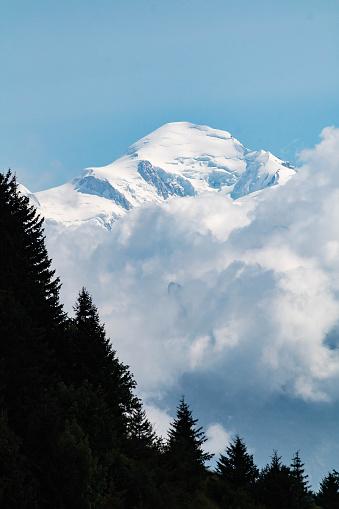 istock Le Mont-Blanc depuis le col de Joux Plane 1020001524