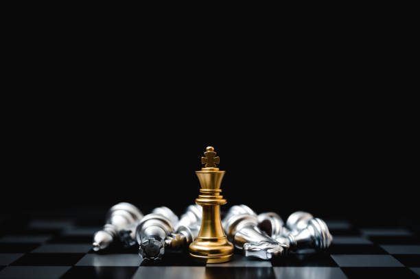 leader and success business competition concept. chess board game strategy - xadrez imagens e fotografias de stock