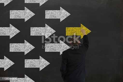 istock Leadership business competition arrow drawing businessman 1133044920