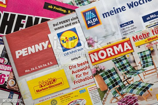 istock Leaflets and flyers of German discount market chains 928807222