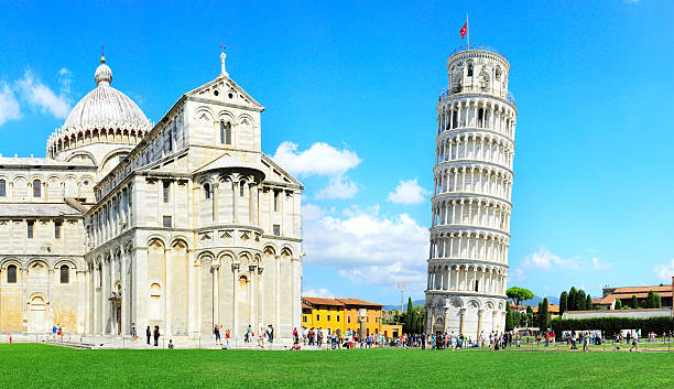 Leaning Pisa Tower Tourist visiting the leaning tower of Pisa , Italy pisa stock pictures, royalty-free photos & images