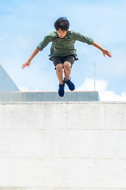 Leap From a Wall – zdjęcie