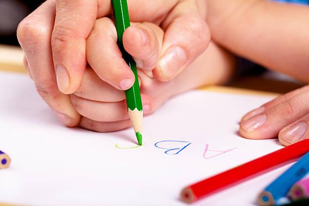 learn to write - zeichnen lernen mit bleistift stock-fotos und bilder