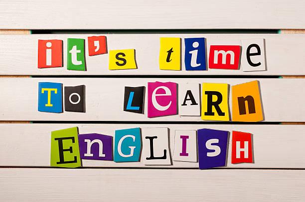 Aprendizaje concepto. es hora de aprender inglés-Escrita - foto de stock