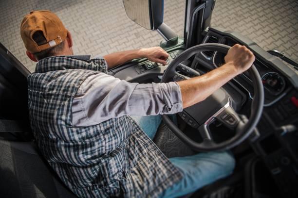 aprendizaje cdl de conducción de camiones - aprender a conducir fotografías e imágenes de stock