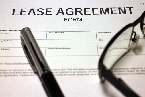 512011833 istock photo Lease Agreement Form 530584597