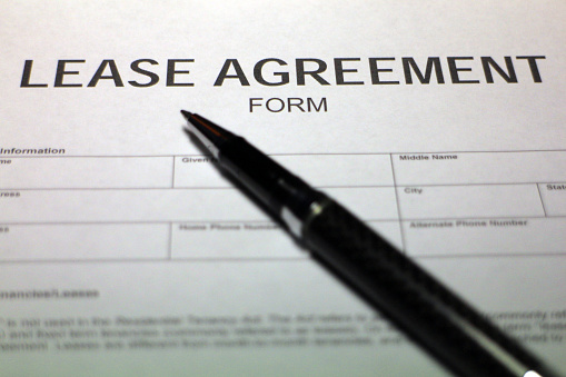 512011833 istock photo Lease Agreement Form 530637405