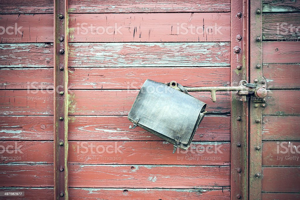 Ledertasche an Bahnwaggon stock photo
