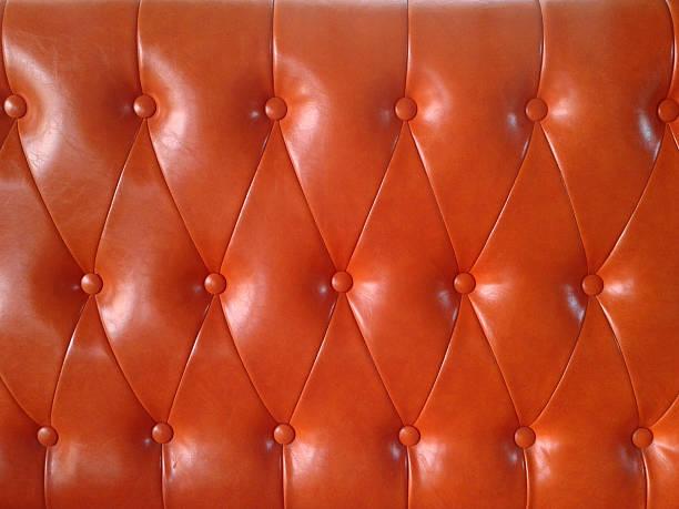ledersessel gepolstertem sitz - sofa u form stock-fotos und bilder
