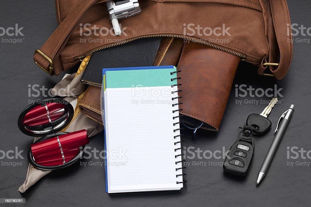 Bolsa de couro com organizador pessoal - foto de acervo