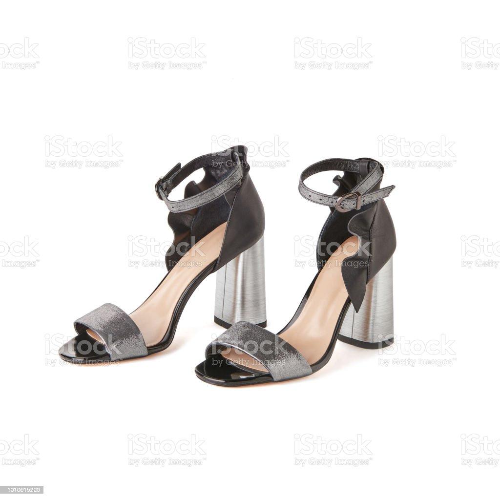 800a076a26ae6a Leder Silber und schwarz zehenoffenen Block Heel Schuhe. Studio gedreht