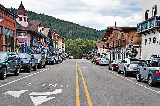 leavenworth front street bavarian style village - leavenworth washington stock photos and pictures