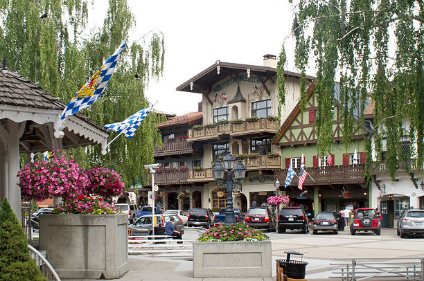 leavenworth washington bavarian village - leavenworth washington stock photos and pictures