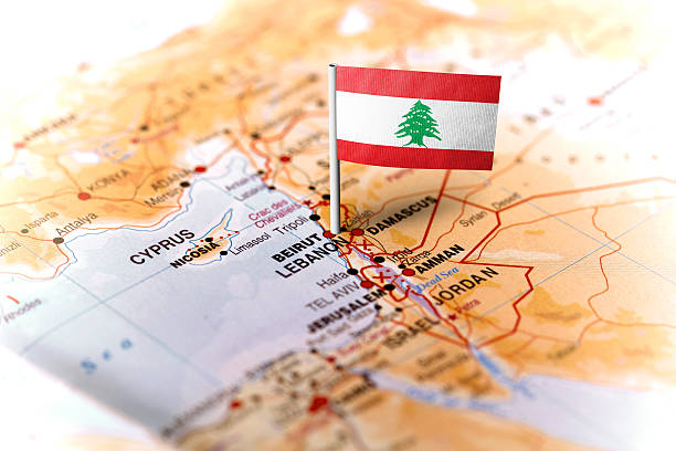 lebanon pinned on the map with flag - lebanon 뉴스 사진 이미지