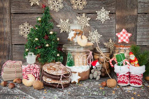 leckere suessigkeiten zu weihnachten stock photo. Black Bedroom Furniture Sets. Home Design Ideas