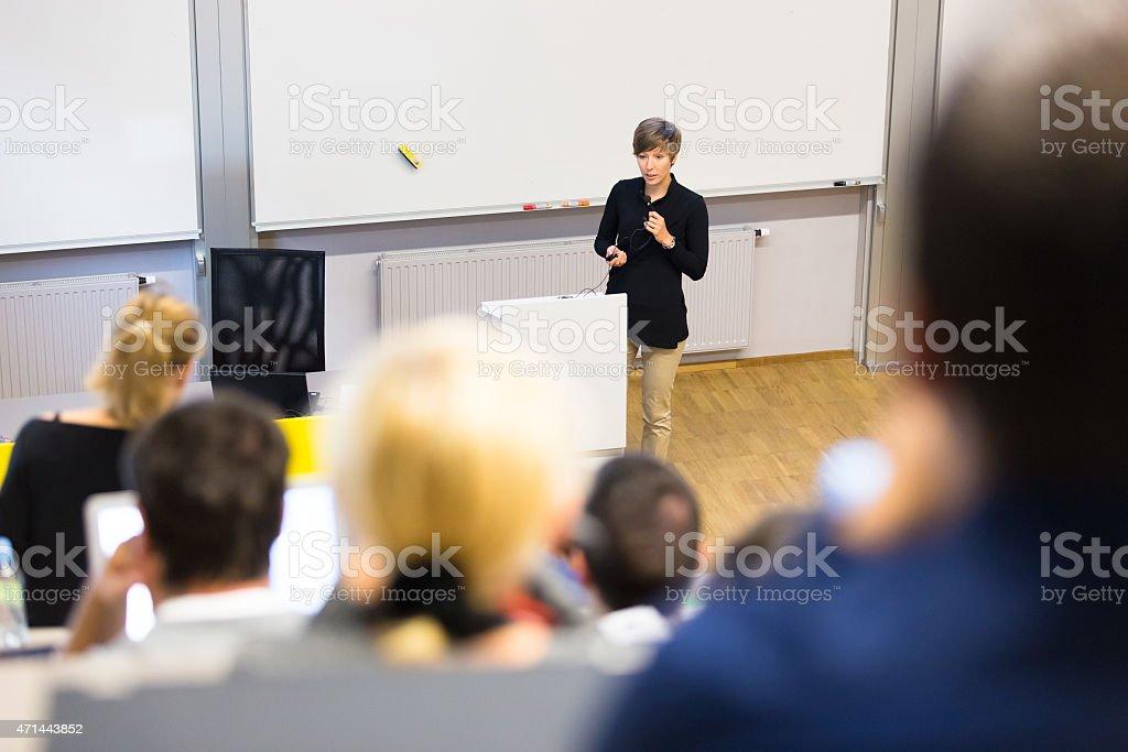 Vortrag an der Universität. – Foto