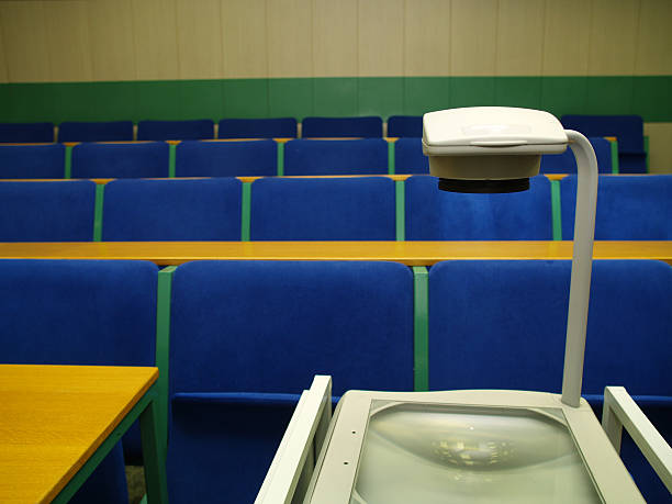 Lecture room Empty seminar rooms: overhead projector stock pictures, royalty-free photos & images