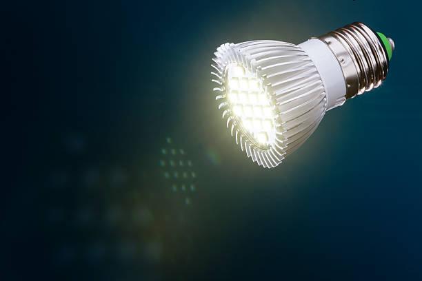 led light with  flare - glühbirne e27 stock-fotos und bilder