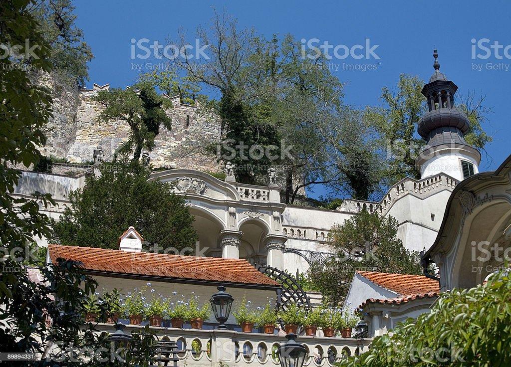 Ledebour al jardín, a la ciudad de Praga, República Checa foto de stock libre de derechos