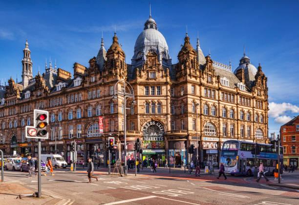 Leeds City Markets, Exterior, People Crossing Road stock photo