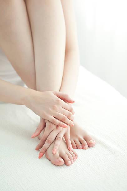 jambes de la femme - mi jambe photos et images de collection