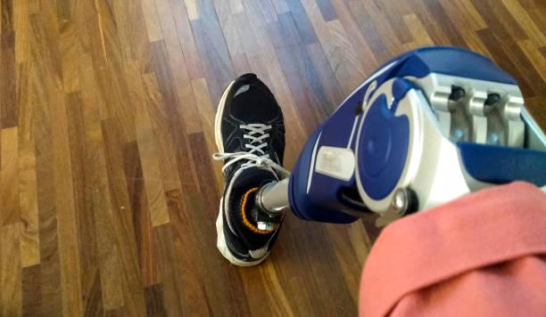 benet protes och tennis shorts - protesutrustning bildbanksfoton och bilder