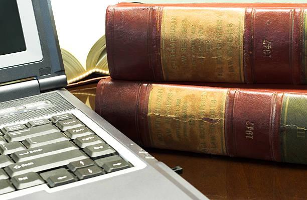 legal de libros - biblioteca de derecho fotografías e imágenes de stock