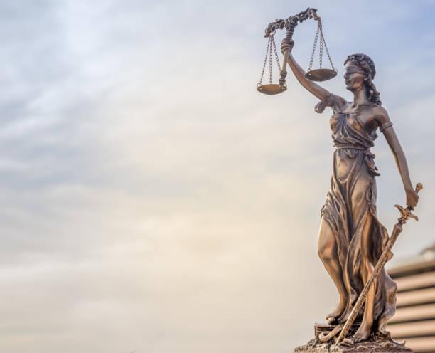 gesetzliche recht konzept-bild - waage der gerechtigkeit stock-fotos und bilder