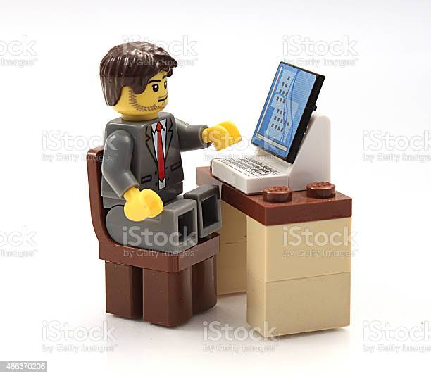 Lego Businessman At His Computer 照片檔及更多 2015年 照片