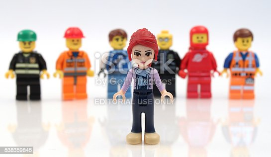 1007383644 istock photo Lego Girl in front of Boys 538359845