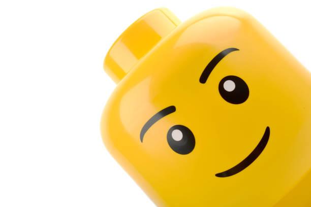 lego head close up - lego stockfoto's en -beelden