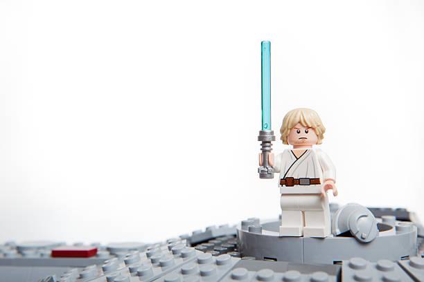 lego brinquedo personagem de star wars: luke skywalker. - star wars - fotografias e filmes do acervo