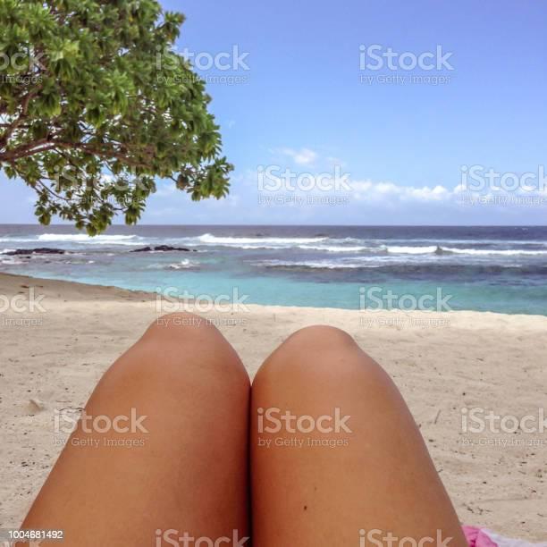 Legs with fake spray tan on sun lounger on tropical beach at lefaga picture id1004681492?b=1&k=6&m=1004681492&s=612x612&h=vcqzirqzfqgibkuq8myjzqgrb9t9uvhjhcjexwqvwza=