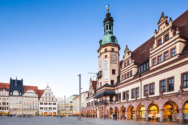 lipsia, municipio della città vecchia - marienplatz foto e immagini stock
