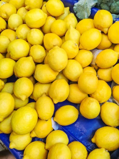 izole limon arka plan stok fotoğrafı