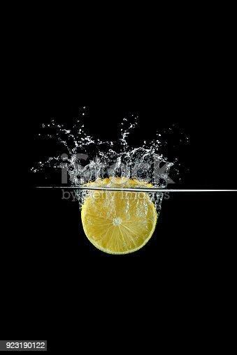 858282944 istock photo lemon in water splash 923190122