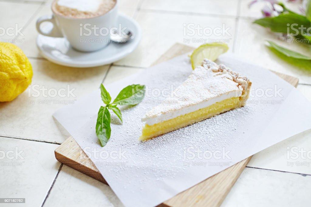 Lemon pie with meringue