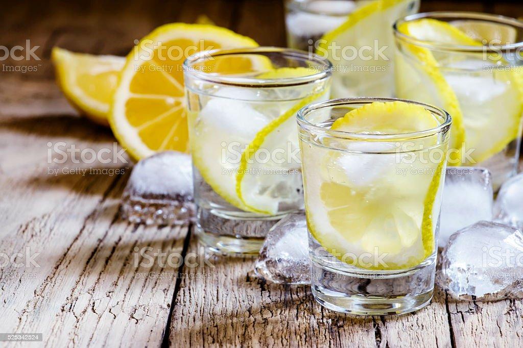 ウォッカ レモン