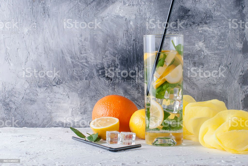 Lemonade in glass with ice and mint Lizenzfreies stock-foto