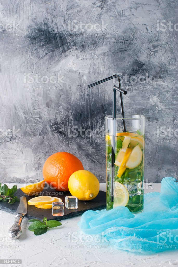 Lemonade in glass with ice and mint foto de stock libre de derechos