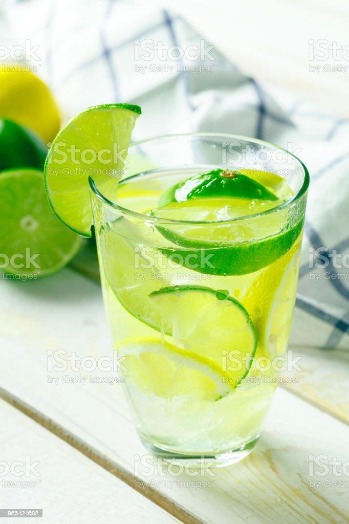 Limonade au citron frais - Photo de Aliments et boissons libre de droits