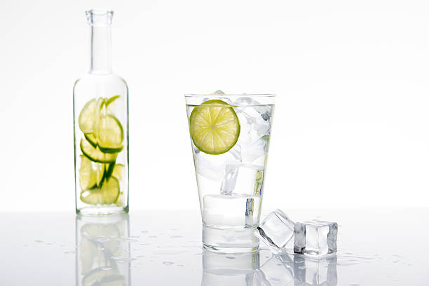 Limonade avec glace et citron vert - Photo