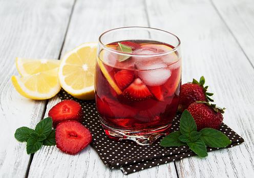 istock Lemonade with strawberries 858580454