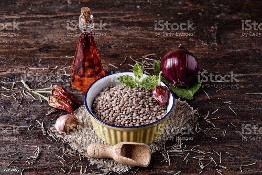 Lentilhas na tigela pimenta - Foto de stock de Agricultura royalty-free